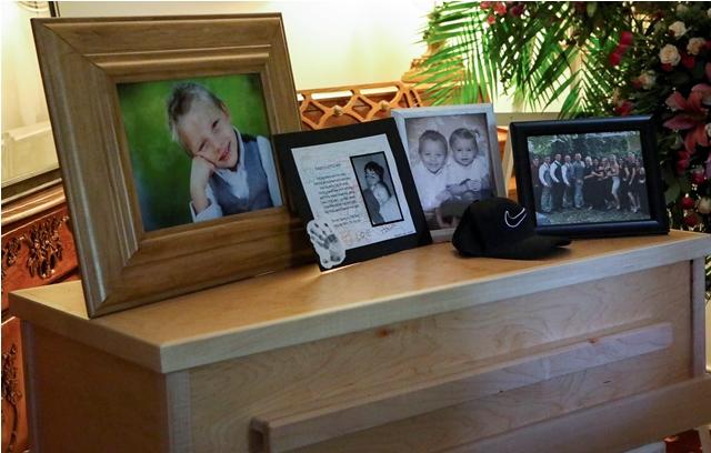 Fotografía tomada a raíz de Rhonita Miller y cuatro de sus hijos, que se encontraban entre las nueve víctimas asesinadas por una lluvia de balas en el estado de Sonora, México. /AFP