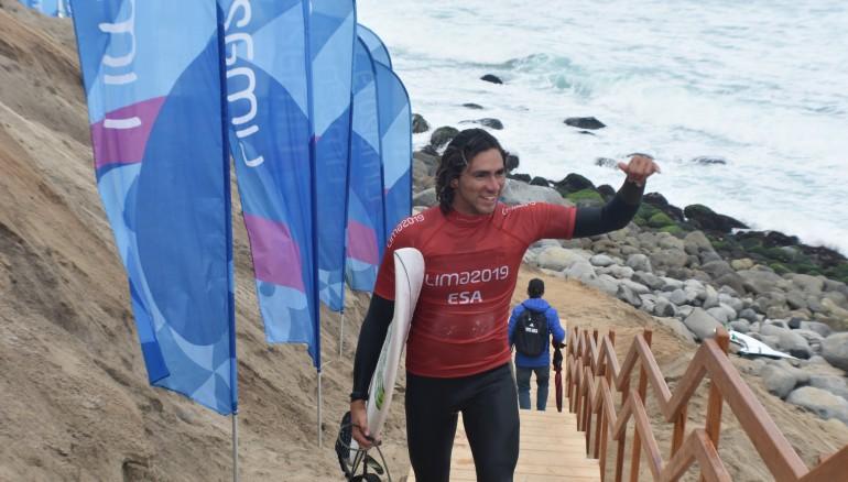 Bryan Pérez es la única esperanza en el surf, que hará su debut en los Juegos Olímpicos. /Foto COES