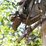 Botas, munición y un lanzacohete encontrado en la zona del derribo. FOTO: D1/MIGUEL LEMUS