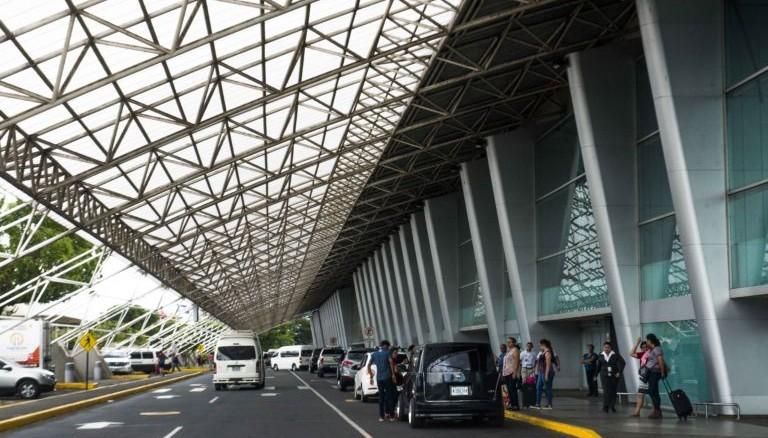 Aeropuerto Internacional Augusto César Sandino. Foto de La Prensa.