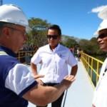 Presidente de ANDA, Frederick Benítez, supervisando un proyecto recientemente. Foto tomada de Twitter de ANDA.
