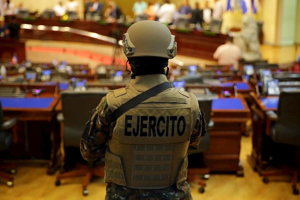 Irrupción de militares en el Salón Aul, el 09 de febrero de 2020. FOTO D1: Archivo