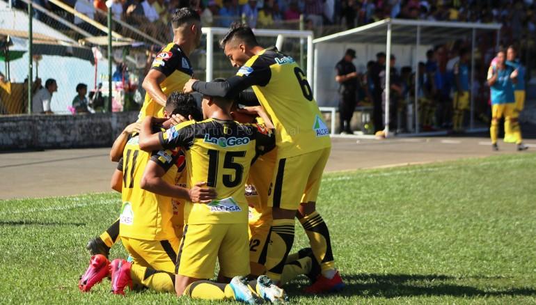 El Salvador suspende Liga y declara campeón al primer lugar general