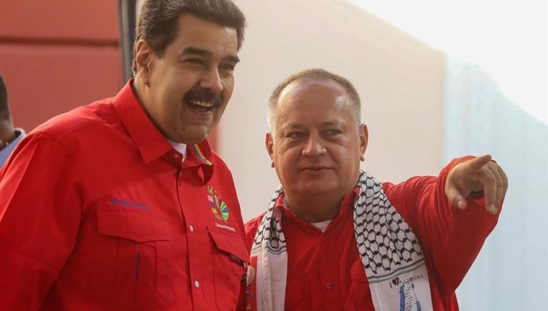 Foto EFE: Nicolás Maduro conversa con el presidente de la Asamblea Nacional Constituyente de Venezuela Diosdado Cabello