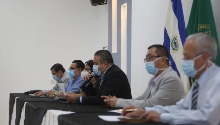 Miembros del Colegio Médico denunciaron las condiciones de sus colegas en cuarentena y la falta de equipo de protección. /FOTO: D1, MIGUEL LEMUS