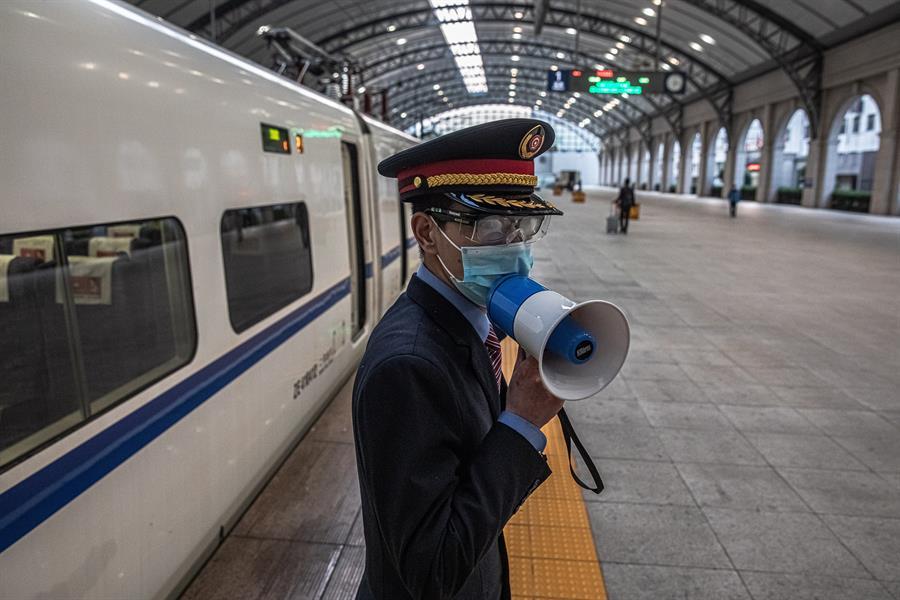 Los trenes ya están operativos en Wuhan. /EFE