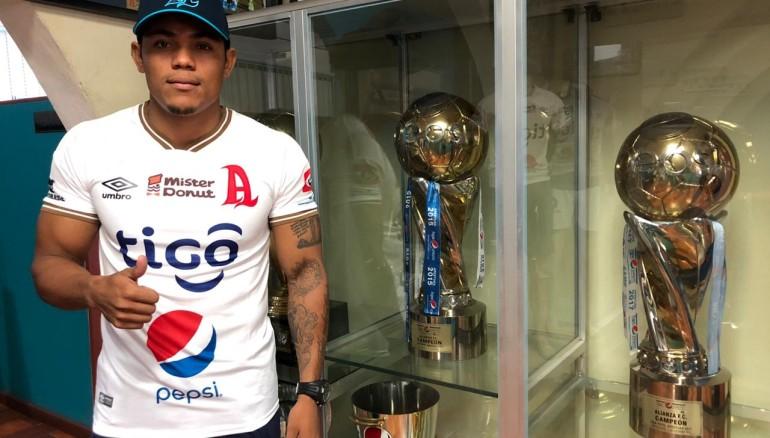 Michell Mercado, nuevo refuerzo albo. /Foto Alianza FC