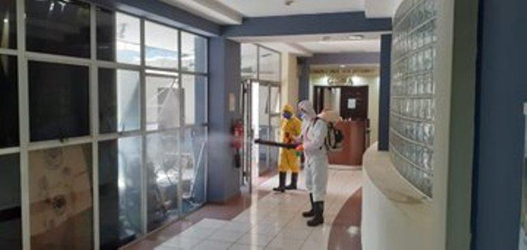 En las instalaciones de la Asamblea Legislativa se realizaron esta mañana trabajos para higienizar todas las áreas de la institución.