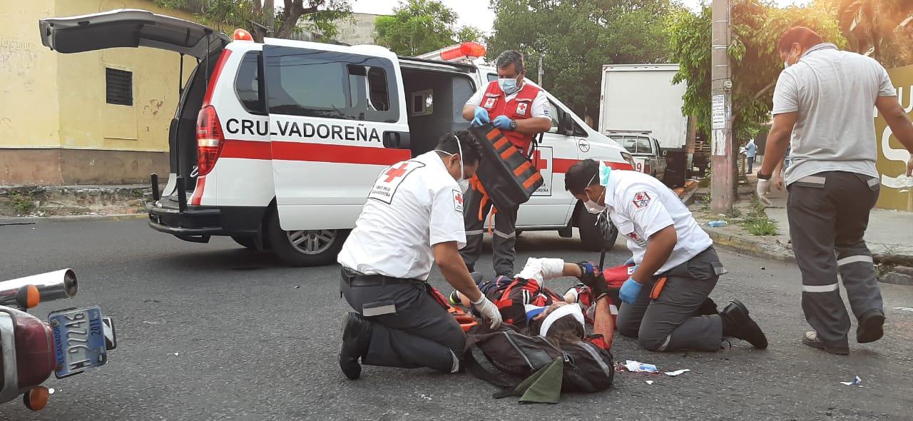 Cruz Roja no ha cesado sus tareas durante la pandemia por COVID-19 y el Sistema Fedecrédito se una a la causa con este donativo.