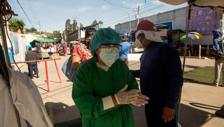 Guatemala seguirá bajo toque de queda por COVID-19  