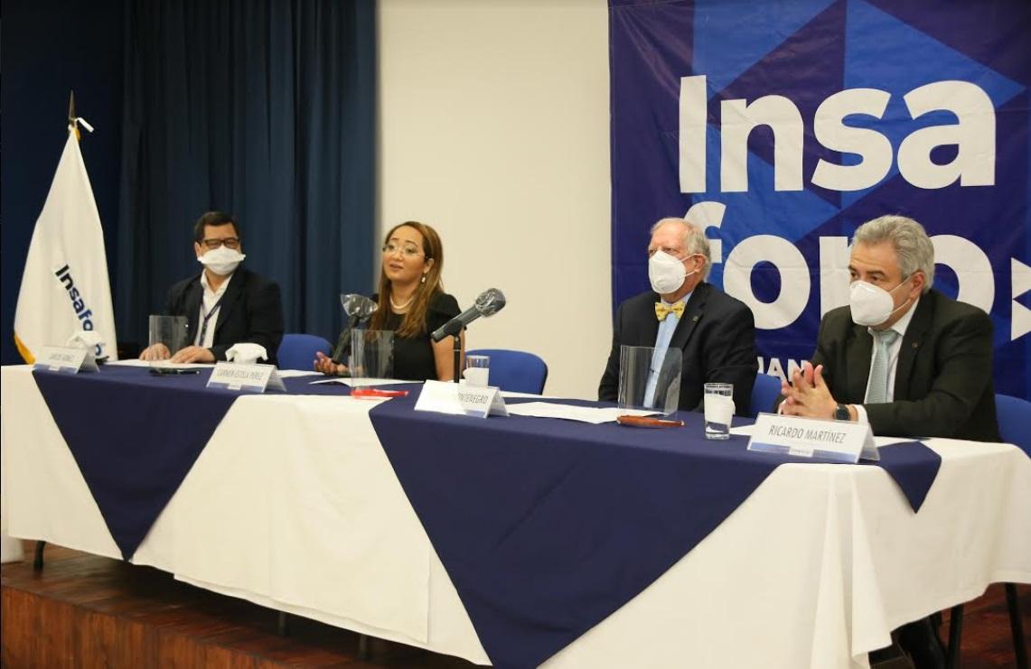 El evento estuvo presidido por el presidente del Insaforp, Ricardo Montenegro; el vicepresidente, Ricardo Martínez; el director ejecutivo, Carlos Gómez y la presidenta de Inquifar, Carmen Estela de Pérez.