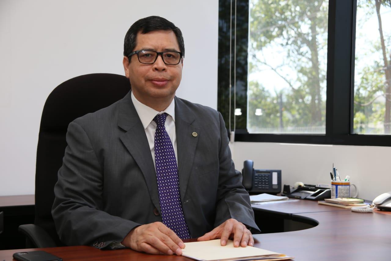 El director ejecutivo de INSAFORP, Ing. Carlos Gómez.