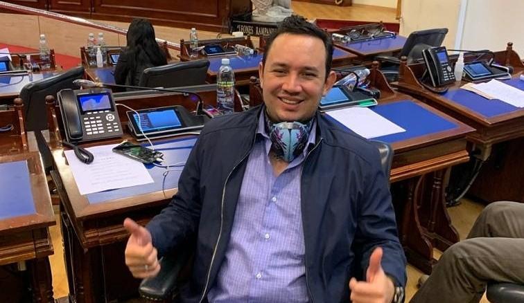 Foto del Twitter oficial de Arturo Simeón Magaña