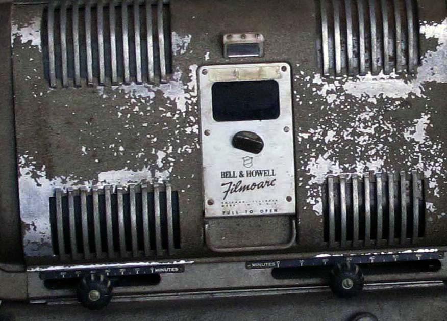 Detalle de antiguo proyector de cine MASSI colección MUPI