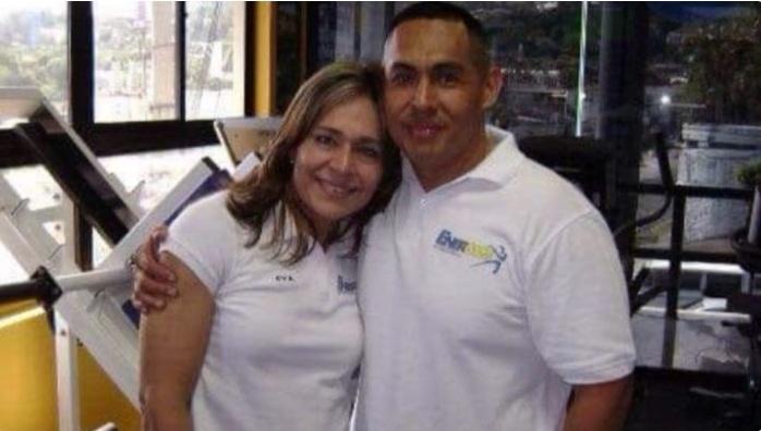 Julio Ernesto Alfaro junto a Eva María Dimas. /Foto de Facebook Energym