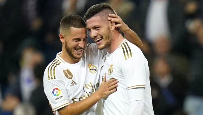 Eden Hazard junto a Luka Jovic. /EFE
