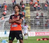 El joven brasileño Yan Maciel festeja el gol anotado hoy a Firpo. /Foto C.D. Águila