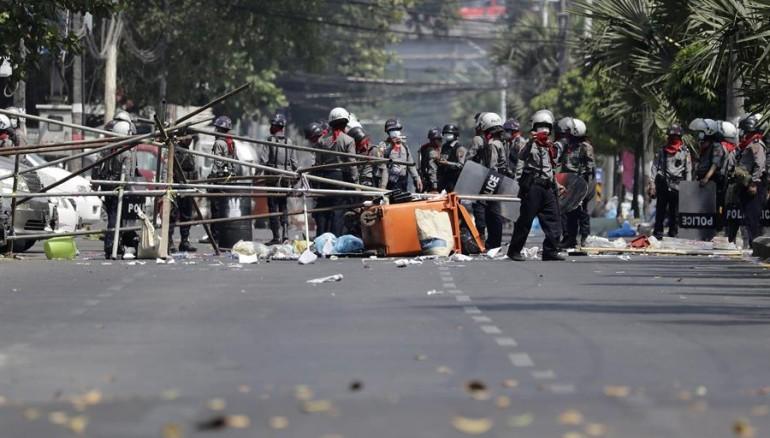 La represión en Birmania deja al menos 18 muertos