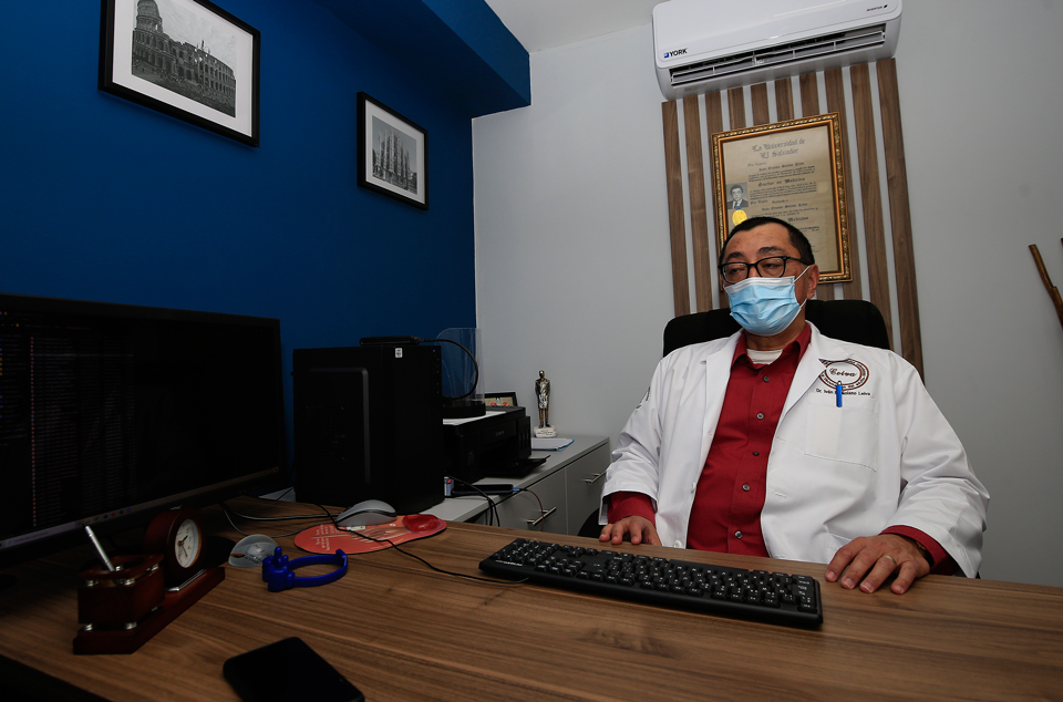 Infectólogo Iván Solano. Foto D1, Miguel Lemus.