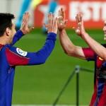 Leo Messi y Frenkie de Jong, celebran el primer gol del equipo blaugrana. /EFE