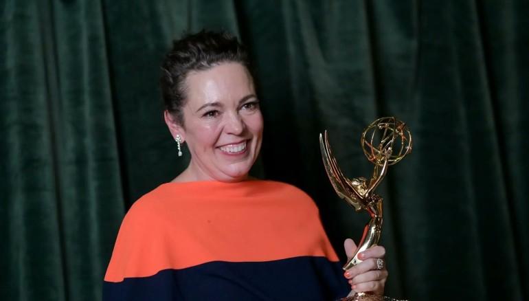 """Olivia Colman, ganadora al premio Mejor actriz de serie dramática, por su participación en """"The Crown"""", de Netflix. Foto: Cortesía."""