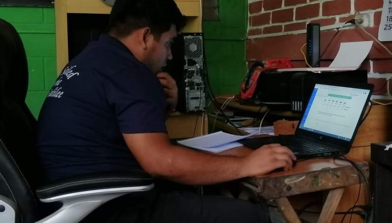 Jonathan Rivas, estudiante que realizó la prueba AVANZO desde su hogar en 2020. Foto: D1/Cortesía de Gabriela Rivas.